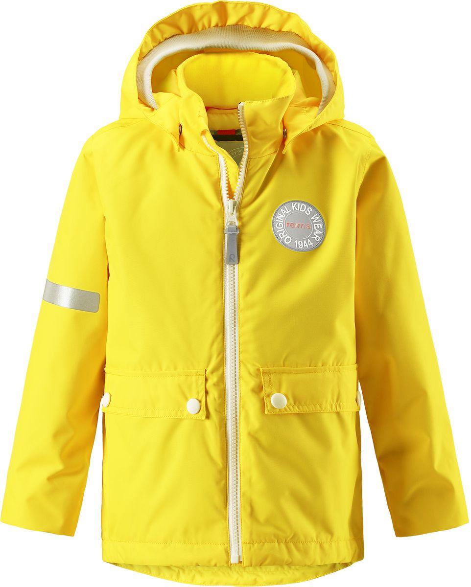 Куртка детская Reima Taag, цвет: желтый. 5214812350. Размер 1345214812350В детской демисезонной куртке от Reima дождь не страшен: все основные швы проклеены, водонепроницаемы. Благодаря съемной стеганой жилетке эта куртка идеально подойдет для ранних весенних дней, ведь на улице все еще может быть холодно. А когда потеплеет, она легко превращается в облегченную модель. Большие карманы с клапанами и светоотражающие детали выполнены в ретро-стиле 70-х.