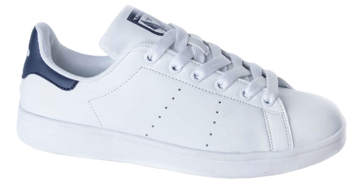 Кроссовки для мальчика Patrol, цвет: белый, синий. 777-703T-17s-01-10/16. Размер 39777-703T-17s-01-10/16Стильные кроссовки от Patrol - отличный выбор для вашего мальчика на каждый день. Верх модели выполнен из искусственной кожи с декоративной перфорацией.Классическая шнуровка на подъеме обеспечивает надежную фиксацию обуви на ноге. Подкладка и стелька из текстильного материала создают комфорт при носке. Подошва выполнена из легкого ТЭП-материала.Рифление на подошве обеспечивает отличное сцепление с любой поверхностью.Модные и комфортные кроссовки - необходимая вещь в гардеробе каждого ребенка.