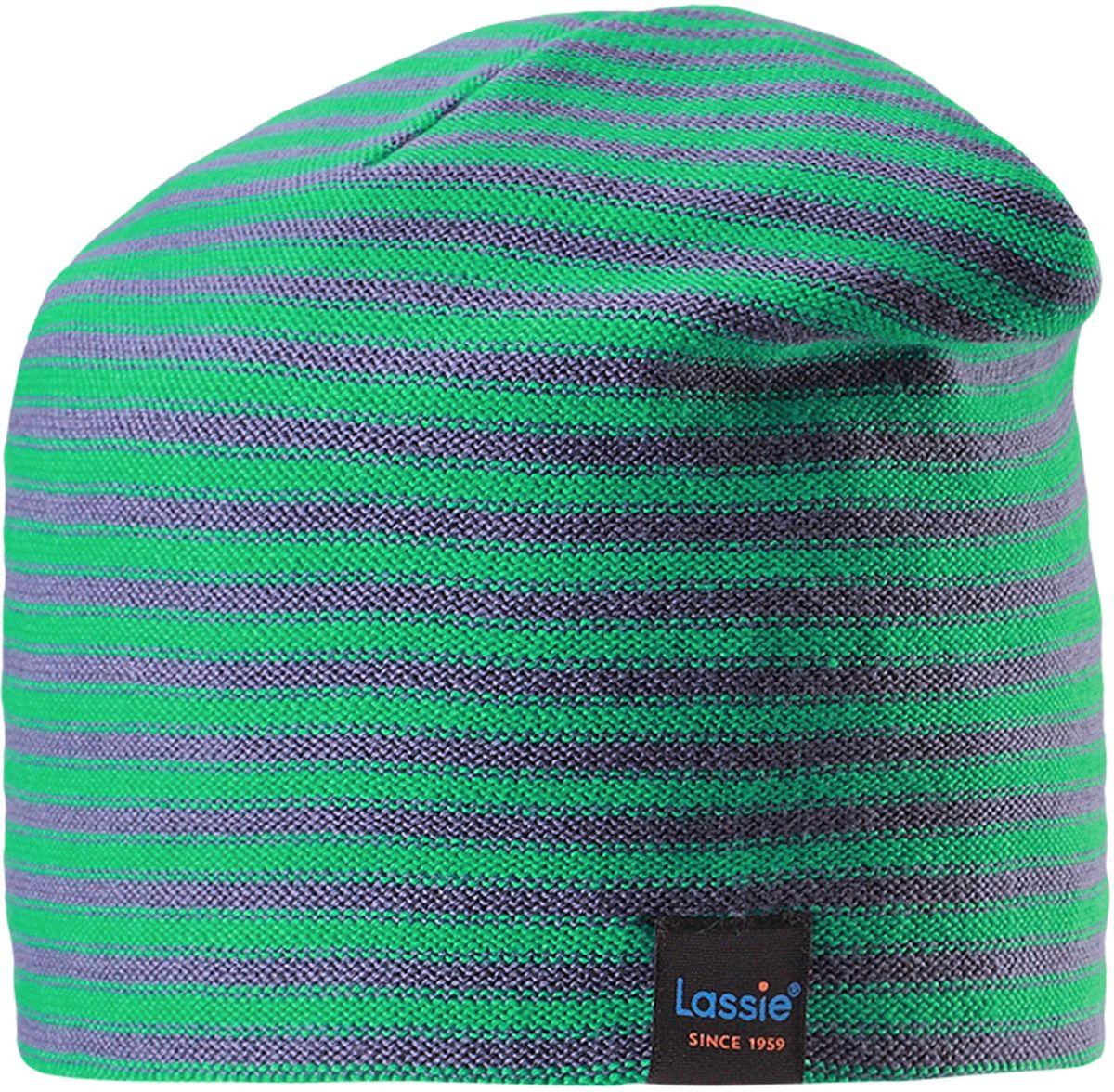 Шапка детская Lassie, цвет: зеленый, серый. 7287108810. Размер 52/547287108810Детская шапка в яркую полоску рассчитана на веселые игры в межсезонье. Она изготовлена из комфортного эластичного и ветронепроницаемого вязаного хлопка. Полная трикотажная подкладка из смеси хлопка гарантирует тепло, а ветронепроницаемые вставки для ушей обеспечивают ушкам дополнительное утепление. Декоративная эмблема и сочные расцветки отлично сочетаются с куртками и брюками Lassie!