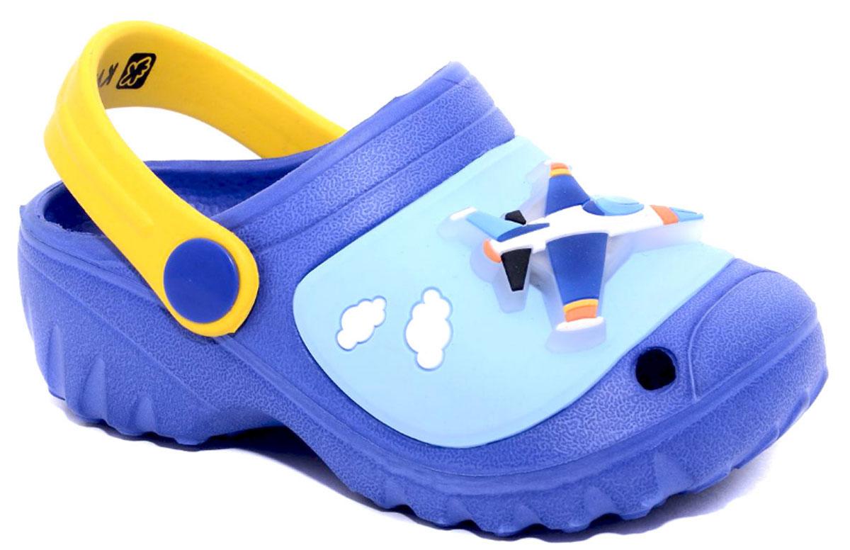 Сабо для мальчика Kakadu, цвет: синий, голубой, желтый. 6734A. Размер 296734AМодные сабо от Kakadu не оставят равнодушным вашего мальчика. Модель изготовлена из EVA (вспененного полимера) и резины, надежного и легкого материала. EVA обладает хорошими амортизирующими свойствами и водонепроницаемостью. Мысок дополнен отверстиями, которые обеспечивают естественную вентиляцию, и оформлен выпуклой фигуркой в виде самолетика. Сабо оснащены ремешком из EVA, который обеспечивает надежную фиксацию ноги. Внутренняя поверхность подошвы имеет рельеф, который предотвращает выскальзывание ноги. Рельефная поверхность подошвы обеспечивает отличное сцепление с любой поверхностью. Такие сабо - отличное решение для походов на пляж.