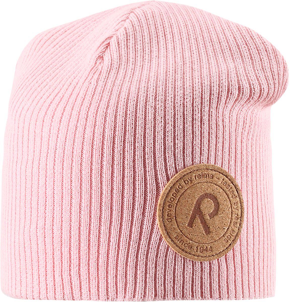 Шапка детская Reima Majakka, цвет: светло-розовый. 5285264010. Размер 505285264010Детская шапка прекрасно подойдет для весенней поры. Она изготовлена из эластичного и легкого вязаного хлопка, мягкого и приятного на ощупь. Материал сертифицирован по стандарту Oeko-Tex. Удлиненная модель с подкладкой. Шапка смотрится ярко и стильно то, что надо для прогулки!