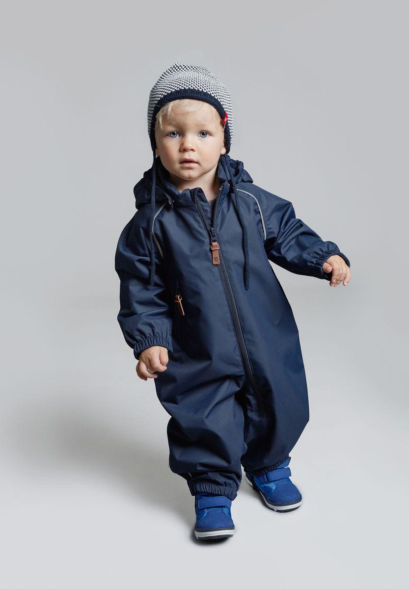 Шапка детская Reima Capitano, цвет: темно-синий. 5184076980. Размер 505184076980Детская шапка яркой расцветки рассчитана на межсезонье, в ней можно и поиграть во дворе, и прогуляться по городу. Она изготовлена из мягкого и комфортного вязаного хлопка. Эта облегченная модель без подкладки идеально подходит для солнечной погоды.