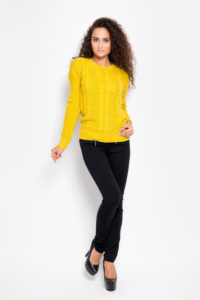 Брюки женские Finn Flare, цвет: черный. A16-12034_200. Размер M (46)A16-12034_200Стильные женские брюки Finn Flare - это изделие высочайшего качества, которое превосходно сидит и подчеркнет все достоинства вашей фигуры. Прямые брюки стандартной посадки выполнены из эластичной вискозы с добавлением нейлона, что обеспечивает комфорт и удобство при носке. Брюки застегиваются на пуговицу в поясе и ширинку на застежке-молнии, на поясе имеются шлевки для ремня. Брюки дополнены двумя втачными карманами на крупных застежках-молниях спереди и двумя накладными карманами сзади.Эти модные и в то же время комфортные брюки послужат отличным дополнением к вашему гардеробу и помогут создать неповторимый современный образ.