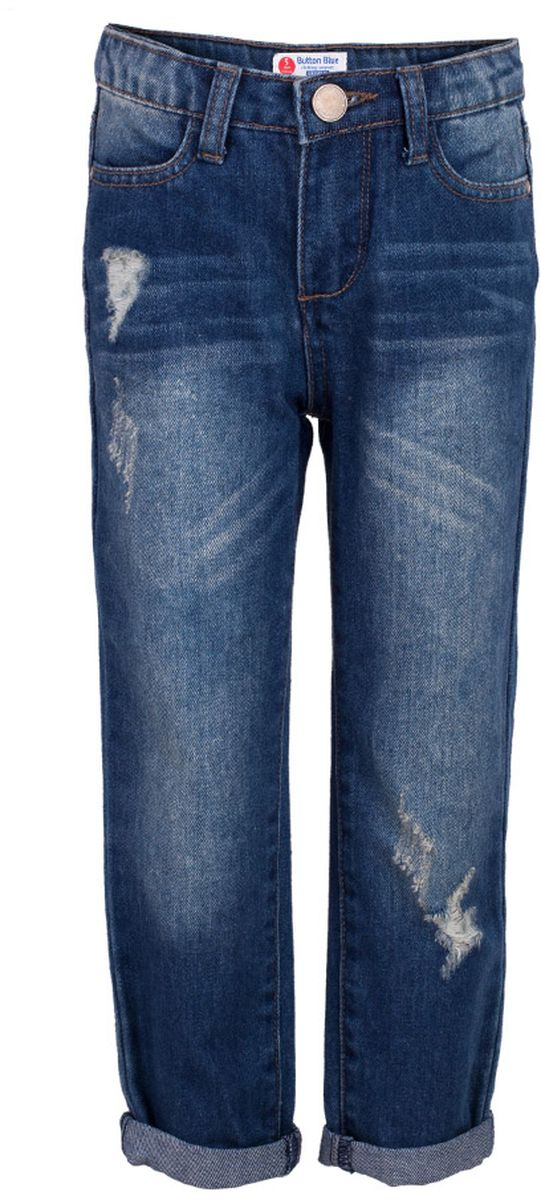 Джинсы для девочки Button Blue Main, цвет: синий. 117BBGC6304D100. Размер 104, 4 года117BBGC6304D100Классные джинсы с потертостями и повреждениями — гарантия модного современного образа! Хороший крой, удобная посадка на фигуре подарят девочке комфорт и свободу движений. Если вы хотите купить ребенку недорогие джинсы классического силуэта, модель от Button Blue - прекрасный выбор!