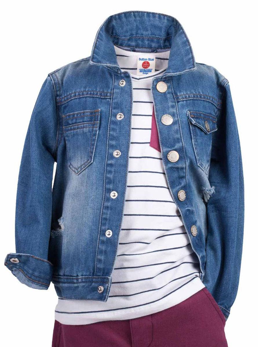 Куртка джинсовая для мальчика Button Blue Main, цвет: голубой. 117BBBC4001D200. Размер 98, 3 года117BBBC4001D200Джинсовая куртка для мальчика - базовая вещь весенне-летнего гардероба. Она отлично сочетается с брюками, шортами, бриджами, делая комплект интересным и завершенным. Вы хотите, чтобы ваш ребенок был в тренде? Тогда джинсовая куртка от Button Blue с модными потертостями, заминами, варкой - лучший вариант!