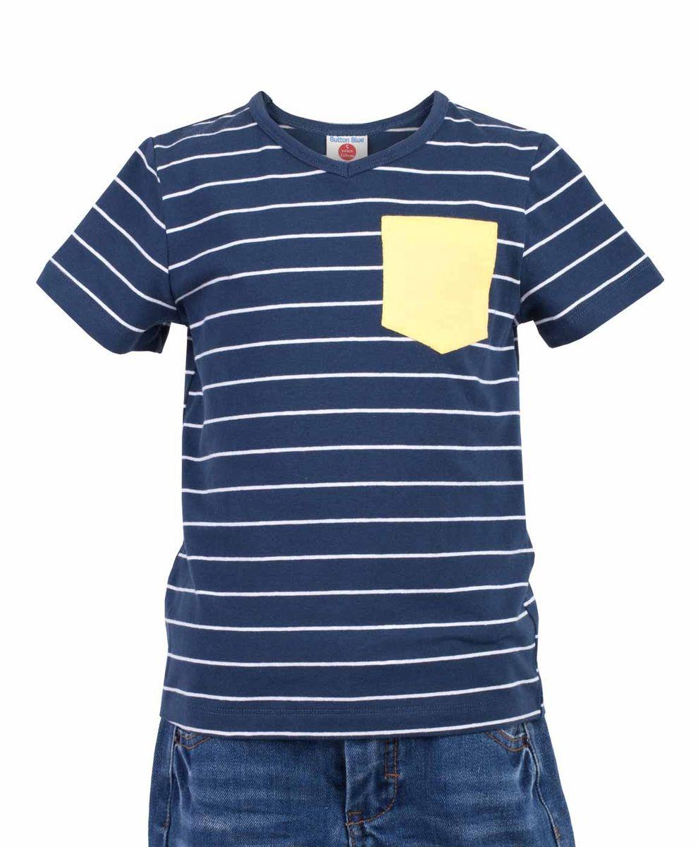 Футболка для мальчика Button Blue Main, цвет: синий, белый. 117BBBC12011005. Размер 116, 6 лет117BBBC12011005Футболка в полоску - не только базовая вещь в гардеробе ребенка, но и основа модного летнего образа. Если вы решили купить недорогую футболку для мальчика, выберете футболку от Button Blue с V-образной горловиной и контрастным карманом. Маленькая яркая деталь - изюминка модели, создающая настроение.