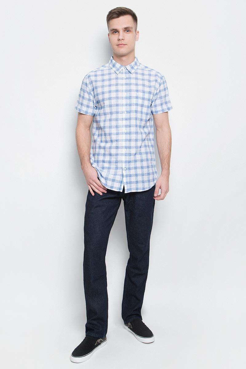 Рубашка мужская Wrangler, цвет: белый, голубой. W5950CN12. Размер L (50)W5950CN12Мужская рубашка Wrangler изготовлена из натурального хлопка с добавлением льна. Модель с короткими рукавами имеет на груди открытый накладной карман. Рубашка застегивается спереди по всей длине на застежки-пуговицы. Оформлена модель стильным принтом в клетку.