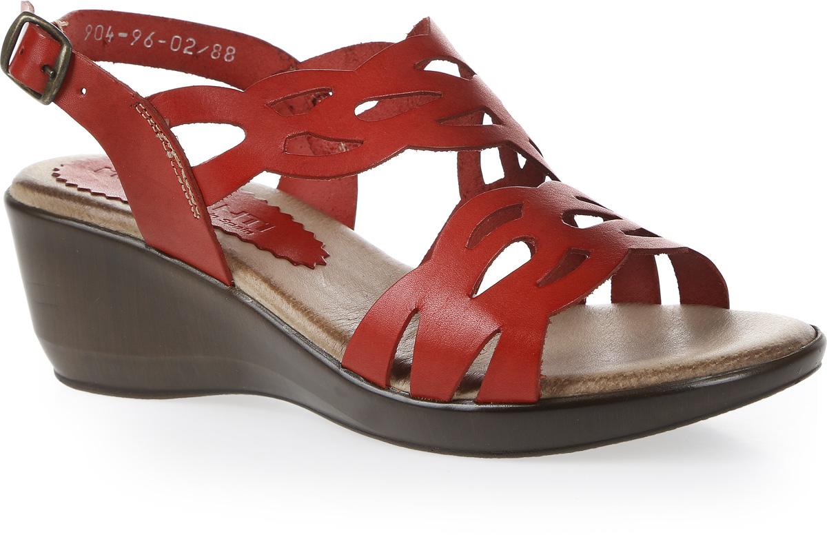 Босоножки женские Mia Mianti, цвет: красный. 904-96-02/88. Размер 38904-96-02/88Модные босоножки от Mia Mianti - незаменимая вещь в гардеробе каждой женщины. Модель выполнена из натуральной кожи и оформлена вставкой с перфорированным узором на подъеме. Ремешок с металлической пряжкой прямоугольной формы отвечает за надежную фиксацию модели на ноге. Длина ремешка регулируется за счет болта. Стелька из натуральной кожи, дополненная названием бренда, комфортна при ходьбе. Невысокая танкетка с рифлением обеспечивает отличное сцепление с любыми поверхностями. Изящные босоножки внесут женственные нотки в ваш модный образ.