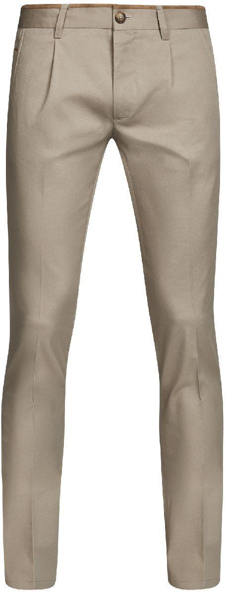 Брюки мужские oodji Lab, цвет: бежевый. 2L200165M/23421N/3300N. Размер 40-182 (48-182)2L200165M/23421N/3300NМужские брюки oodji Lab выполнены из высококачественного материала. Модель стандартной посадки застегивается на пуговицу в поясе и ширинку на застежке-молнии. Пояс имеет шлевки для ремня. Спереди брюки дополнены втачными карманами, сзади - прорезными.