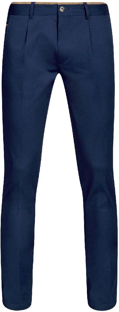 Брюки мужские oodji Lab, цвет: синий. 2L200165M/23421N/7500N. Размер 42-182 (50-182)2L200165M/23421N/7500NМужские брюки oodji Lab выполнены из высококачественного материала. Модель стандартной посадки застегивается на пуговицу в поясе и ширинку на застежке-молнии. Пояс имеет шлевки для ремня. Спереди брюки дополнены втачными карманами, сзади - прорезными.