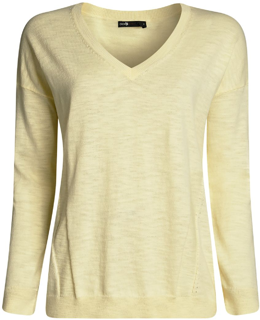 Джемпер женский oodji Ultra, цвет: светло-желтый. 63812590/46688/5000N. Размер XL (50)63812590/46688/5000NУютный женский джемпер с V-образным вырезом горловины и длинными рукавами выполнен из натурального хлопка. Модель на спине оформлена принтом.