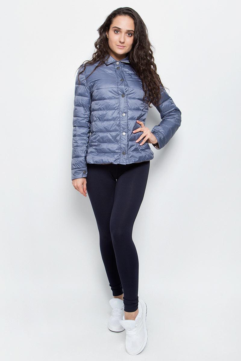 Куртка женская Grishko, цвет: серо-синий. AL-3123. Размер XS (42)AL-3123Необыкновенно женственная стеганая куртка Grishko утеплена тонким холлофайбером. Эффектная контрастная отделка, отложной воротничок, пиджачный силуэт с разрезами на бедрах делают модель абсолютно универсальной вещью в гардеробе любой модницы. Куртка прекрасно смотрится и с платьем и с джинсами, что делает ее незаменимой для городских будней и беззаботных выходных в новом весенне-летнем сезоне. Холлофайбер - это утеплитель, который отличается повышенной теплоизоляцией, антибактериальными свойствами, долговечностью в использовании,и необычайно легок в носке и уходе. Изделия легко стираются в машинке, не теряя первоначального внешнего вида.