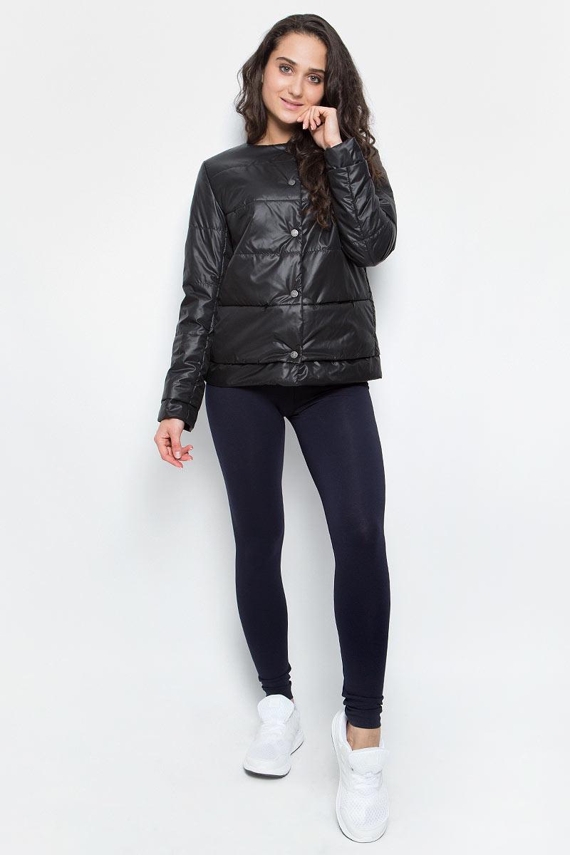 Куртка женская Grishko, цвет: черный. AL-3120. Размер L (48)AL-3120Необыкновенно женственная стеганая куртка Grishko утеплена тонким холлофайбером. Застегивается модель на кнопки, имеется круглый воротник, позволяющий эффектно подчеркнуть его платком. Прорезные карманы на талии делают модель абсолютно универсальной вещью в гардеробе любой модницы. Куртка прекрасно смотрится и с платьем и с джинсами, что делает ее незаменимой для городских будней и беззаботных выходных в новом весенне-летнем сезоне. Холлофайбер - это утеплитель, который отличается повышенной теплоизоляцией, антибактериальными свойствами, долговечностью в использовании,и необычайно легок в носке и уходе. Изделия легко стираются в машинке, не теряя первоначального внешнего вида.