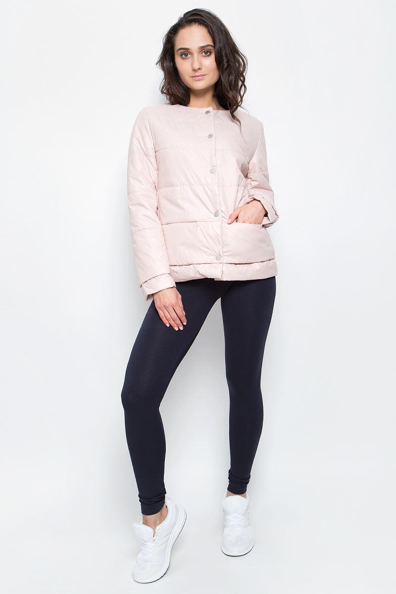 Куртка женская Grishko, цвет: светло-розовый. AL-3120. Размер S (44)AL-3120Необыкновенно женственная стеганая куртка Grishko утеплена тонким холлофайбером. Застегивается модель на кнопки, имеется круглый воротник, позволяющий эффектно подчеркнуть его платком. Прорезные карманы на талии делают модель абсолютно универсальной вещью в гардеробе любой модницы. Куртка прекрасно смотрится и с платьем и с джинсами, что делает ее незаменимой для городских будней и беззаботных выходных в новом весенне-летнем сезоне. Холлофайбер - это утеплитель, который отличается повышенной теплоизоляцией, антибактериальными свойствами, долговечностью в использовании,и необычайно легок в носке и уходе. Изделия легко стираются в машинке, не теряя первоначального внешнего вида.