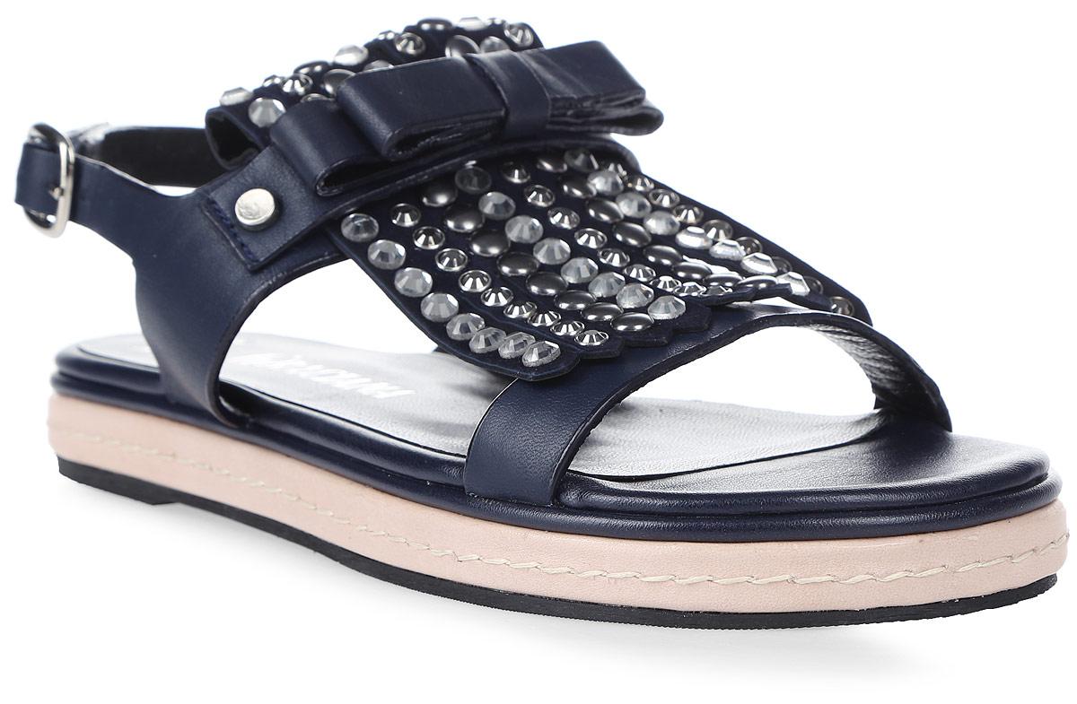 Сандалии женские Graciana, цвет: темно-синий. 9753-07. Размер 399753-07Женские сандалии от Graciana выполнены из натуральной кожи. Модель фиксируется на ноге при помощи ремешка на пряжке. Подкладка, изготовленная из натуральной кожи, обладает хорошей влаговпитываемостью и естественной воздухопроницаемостью. Стелька из натуральной кожи гарантирует комфорт и удобство стопам. Подошва из ТЭП-материала обеспечивает хорошую амортизацию и сцепление с любой поверхностью.