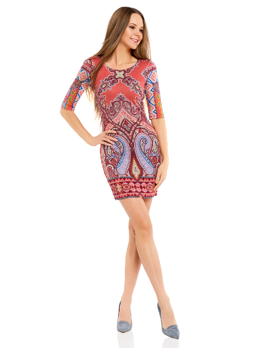 Платье oodji Ultra, цвет: коралловый, бордовый. 14001121-2B/14675/4349E. Размер XS (42-170)14001121-2B/14675/4349EОблегающее платье oodji Ultra выполнено из качественного трикотажа и оформлено оригинальным принтом в этническом стиле. Модель мини-длины с круглым вырезом горловиныи рукавами средней длинывыгодно подчеркивает достоинства фигуры.