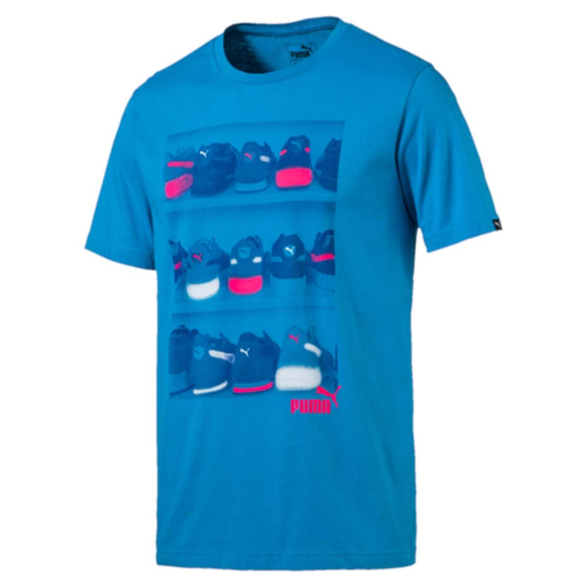 Футболка мужская Puma Sneaker Photo Tee, цвет: голубой. 590935_11. Размер XL (52/54)590935_11Футболка Sneaker Photo Tee выполнена из чистого хлопка с использованием высокофункциональной технологии dryCELL, которая отводит влагу, поддерживает тело сухим и гарантирует комфорт. Ворот выполнен из трикотажа в рубчик. Изделие имеет классический крой, круглый вырез горловины и короткие рукава. Модель декорирована рисунком c прорезиненными деталями и логотипом PUMA.