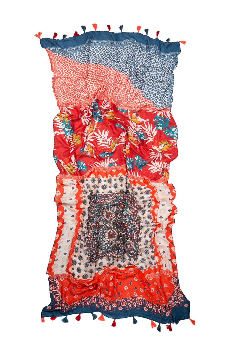 Палантин Laccom, цвет: коралловый. 3234Q. Размер 185 см x 90 см3234QПалантин Laccom выполнен из высококачественного материала и оформлен стильным принтом и кисточками. Изделие приятно на ощупь и подойдет к любому стилю.