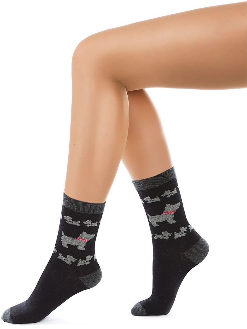 Носки женские Charmante, цвет: черный. SCHK-1012. Размер 23 (35/37)SCHK-1012Женские носки Charmante с удлиненным паголенком изготовлены из высококачественного материала, который обеспечивает великолепную посадку. Носки отличаются элегантным внешним видом. Удобная широкая резинка идеально облегает ногу и не пережимает сосуды, усиленные пятка и мысок повышают износоустойчивость носка.