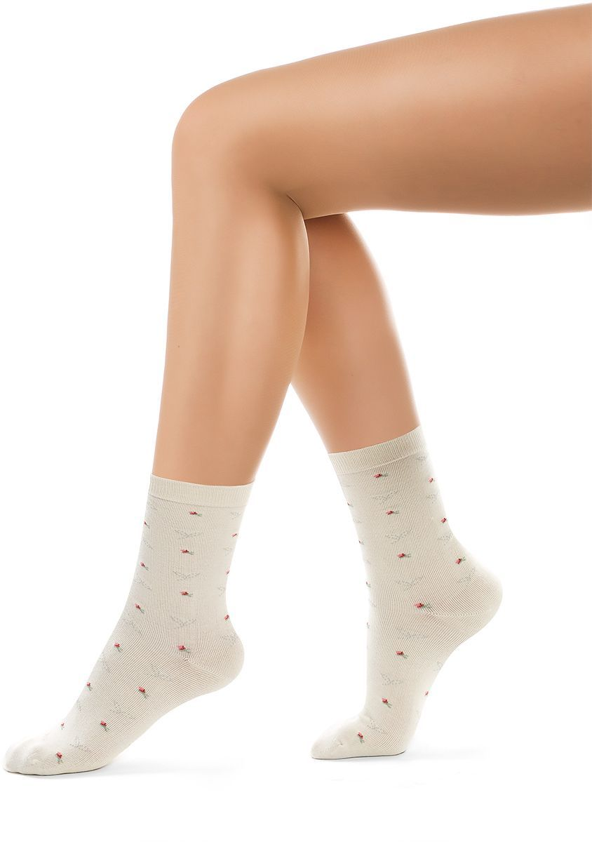 Носки женские Charmante, цвет: панна. SCHK-1604. Размер 23 (35/37)SCHK-1604Женские носки Charmante с удлиненным паголенком изготовлены из высококачественного материалаобеспечивающего великолепную посадку. Удобная широкая резинка идеально облегает ногу и не пережимает сосуды, усиленные пятка и мысок повышают износоустойчивость носка.