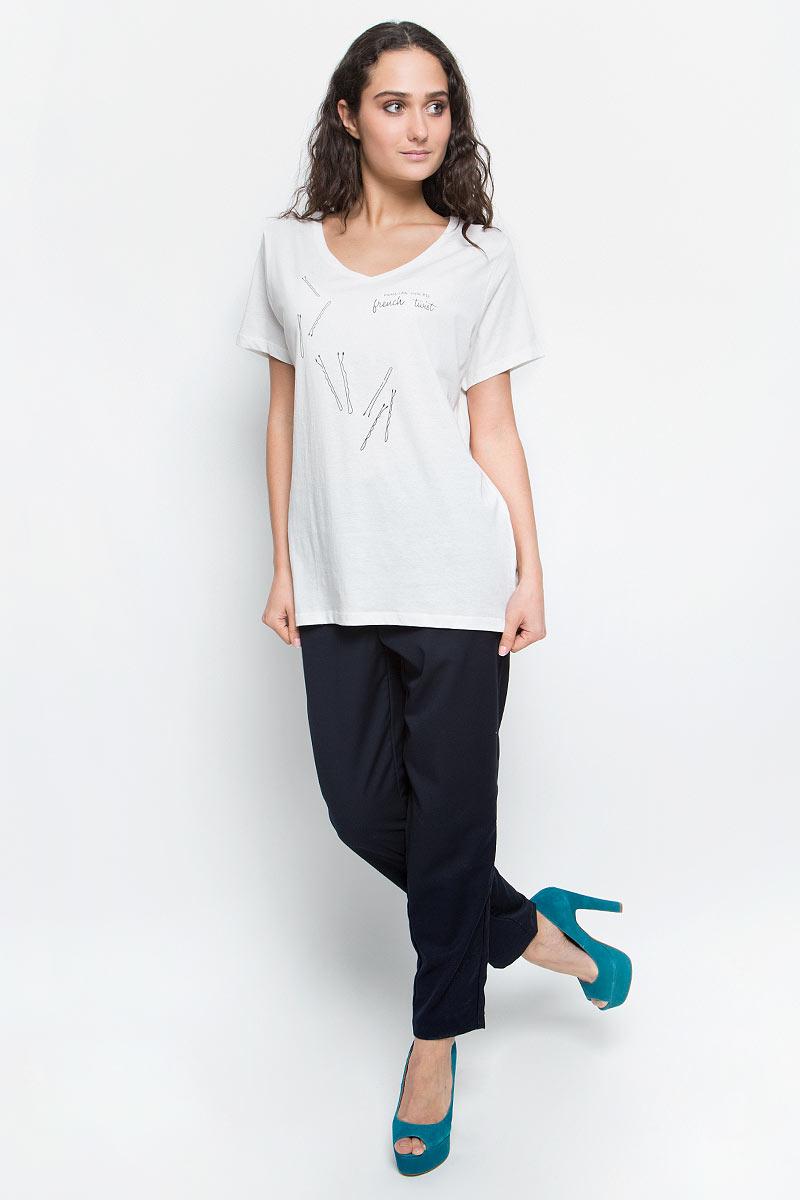 Футболка женская Baon, цвет: белый. B237096_Milk. Размер XL (50)B237096_MilkСтильная женская футболка Baon изготовлена из натурального хлопка. Материал очень мягкий и приятный на ощупь. Модель свободного кроя с V-образным вырезом горловины и короткими рукавами оформлена принтом с изображением шпилек и надписями.Такая футболка займет достойное место в вашем гардеробе.
