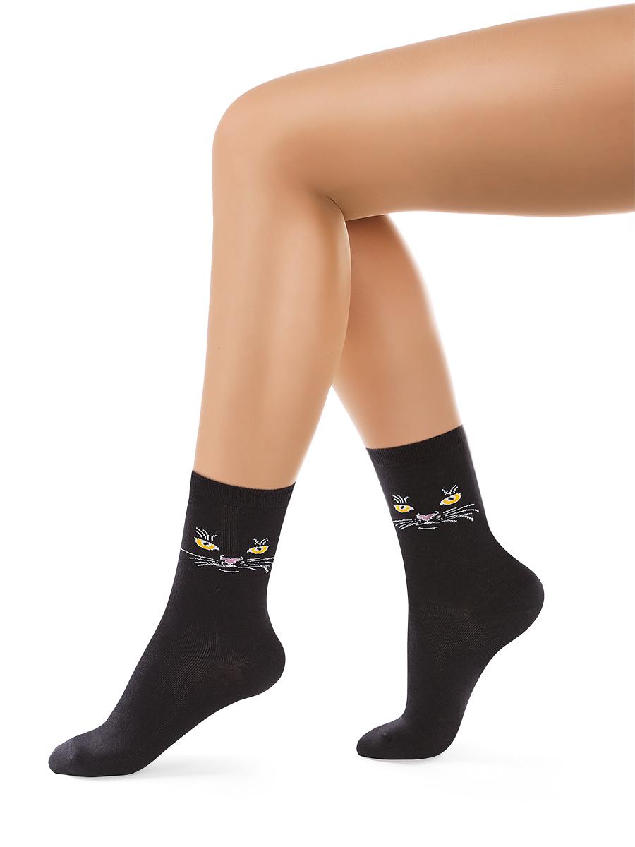 Носки женские Charmante, цвет: черный. SCHK-1408. Размер 25 (38/40)SCHK-1408Женские носки Charmante с удлиненным паголенком изготовлены из высококачественного материалаобеспечивающего великолепную посадку. Носки отличаются элегантным внешним видом. Удобная широкая резинка идеально облегает ногу и не пережимает сосуды, усиленные пятка и мысок повышают износоустойчивость носка.
