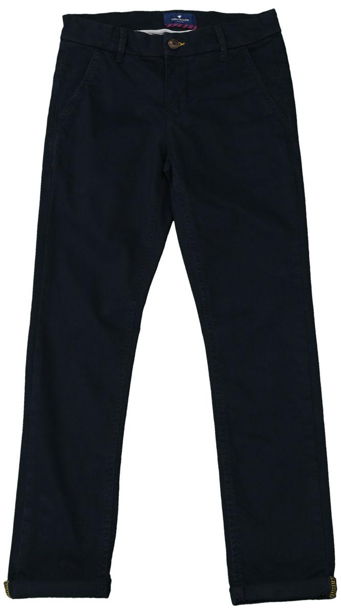 Брюки для мальчика Tom Tailor, цвет: темно-синий. 6404953.00.30_6975. Размер 1466404953.00.30_6975Стильные брюки для мальчика Tom Tailor изготовлены из хлопка с добавлением эластана.Модель, стилизованная под джинсы, на таллии имеет широкий пояс, застегивающийся на пуговицу. Так же предусмотрены ширинка и шлевки для ремня. Спереди изделие дополнено двумя втачными карманами, а сзади - двумя прорезными.