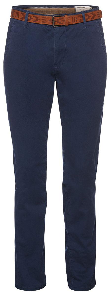 Брюки мужские Tom Tailor, цвет: темно-синий. 6405091.99.12_6740. Размер L (50)6405091.99.12_6740Модные мужские брюки Tom Tailor выполнены из высококачественного хлопка с добавлением эластана. Брюки застегиваются на пуговицу в поясе и ширинку на молнии. Имеются шлевки для ремня. Спереди расположены два боковых прорезных кармана . В комплект входит ремень.