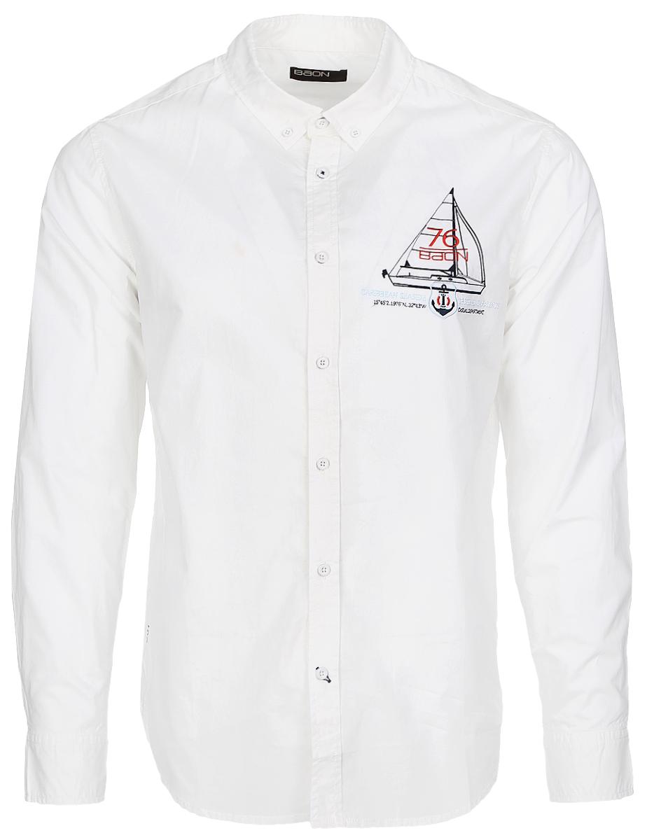 Рубашка мужская Baon, цвет: белый. B667001_White. Размер M (48)B667001_WhiteСтильная мужская рубашка Baon, выполненная из натурального хлопка, позволяет коже дышать, тем самым обеспечивая наибольший комфорт при носке. Модель классического кроя с отложным воротником, полукруглым низоми длинными рукавами застегивается на пуговицы по всей длине. Манжеты рукавов также застегиваются на пуговицы. Изделие на груди оформлено вышивкой с изображением парусника.Такая рубашка будет дарить вам комфорт в течение всего дня и послужит замечательным дополнением к вашему гардеробу.