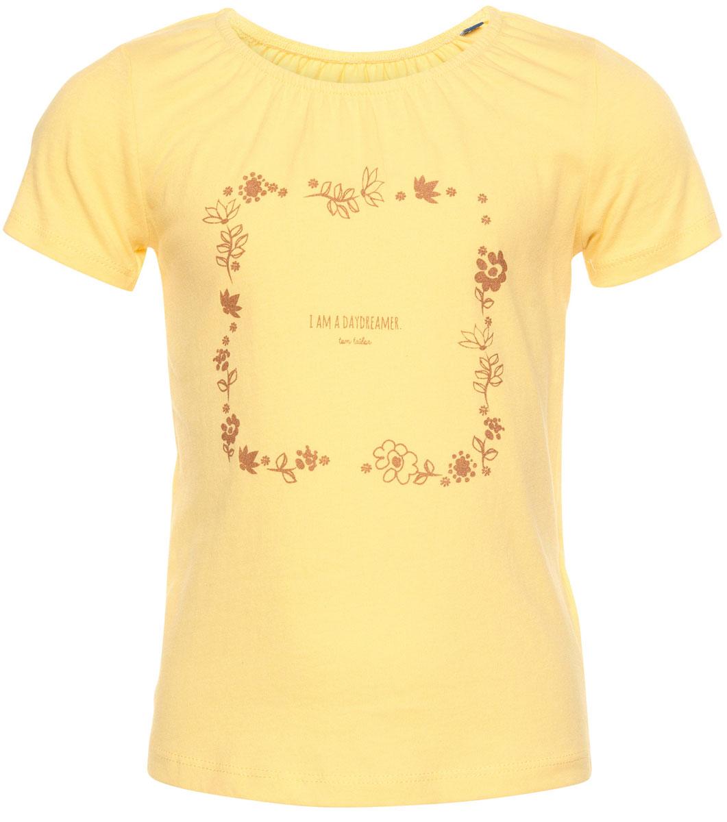 Футболка для девочки Tom Tailor, цвет: желтый. 1037041.00.81_3546. Размер 116/1221037041.00.81_3546Футболка для девочки Tom Tailor выполнена из натурального хлопка. Модель с круглым вырезом горловины и короткими рукавами оформлена оригинальным принтом, украшенным блестящим напылением. Воротник присборен на резинку, образующую небольшие складки.