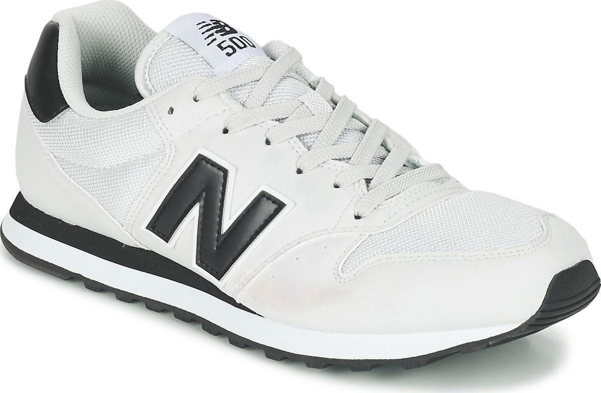 Кроссовки мужские New Balance 500, цвет: белый. GM500GWK/D. Размер 7 (40)GM500GWK/DСтильные мужские кроссовки от New Balance придутся вам по душе. Верх модели выполнен из высококачественныхматериалов. По бокам обувь оформлена, контрастными, декоративными элементами в виде фирменного логотипа бренда, на язычке - фирменной нашивкой. Классическая шнуровка надежно зафиксирует изделие на ноге. Мягкая верхняя часть и стелька, изготовленные из текстиля, гарантируют уют и предотвращают натирание. Подошва оснащена рифлением для лучшей сцепки с поверхностями. Удобные кроссовки займут достойное место среди коллекции вашей обуви.