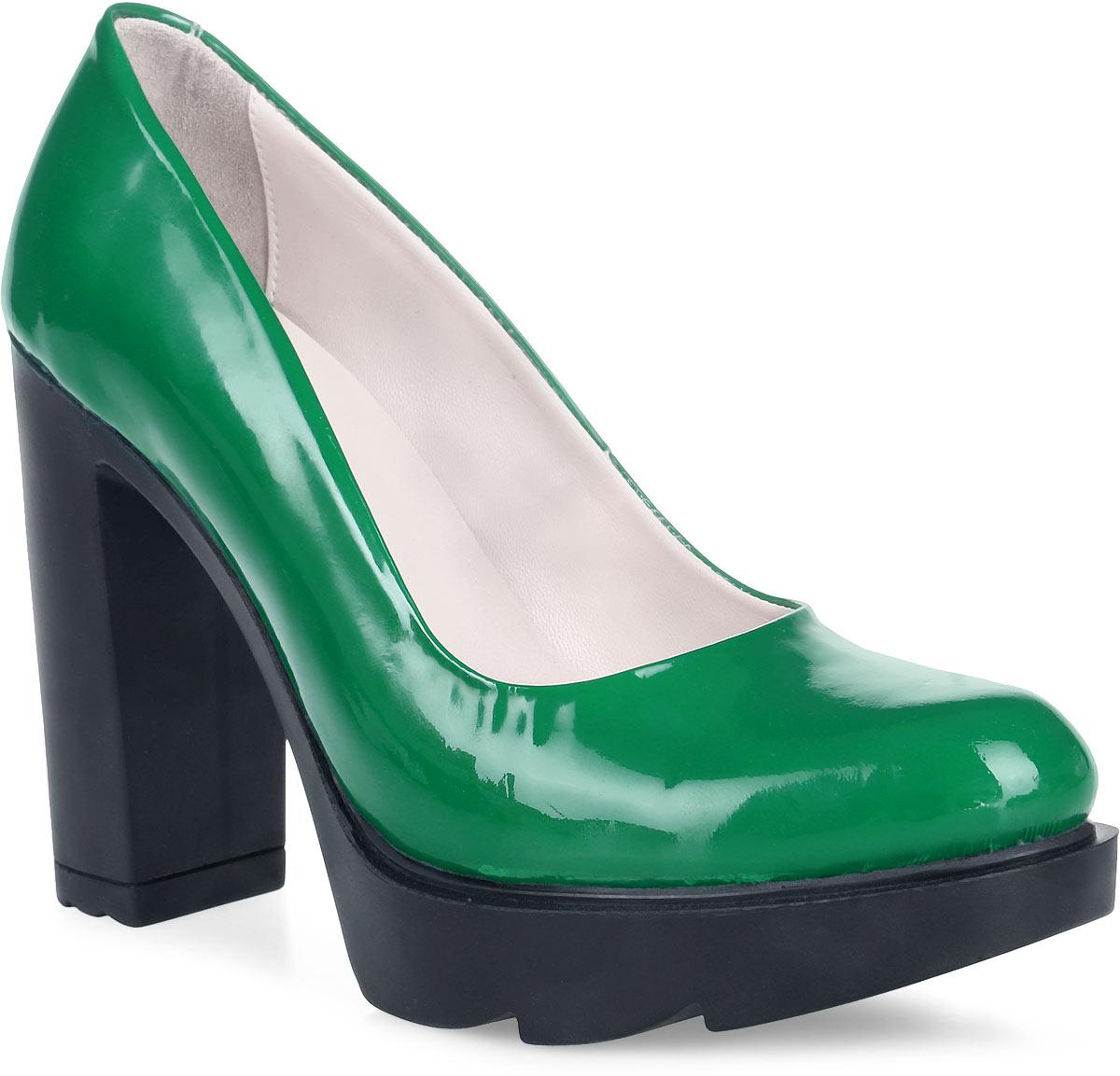 Туфли женские Graciana, цвет: зеленый. 24730-116. Размер 3624730-116Женские туфли от Graciana на высоком каблуке и тракторной подошве выполнены из натуральной кожи. Подкладка, изготовленная из натуральной кожи, обладает хорошей влаговпитываемостью и естественной воздухопроницаемостью. Стелька из натуральной кожи гарантирует комфорт и удобство стопам. Подошва из полимерного термопластичного материала обеспечивает хорошую амортизацию и сцепление с любой поверхностью.