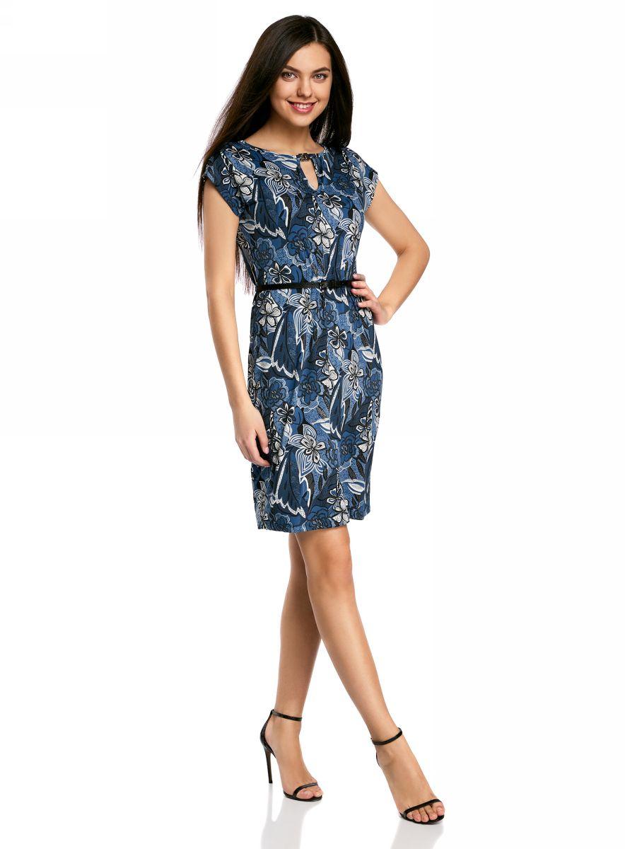 Платье oodji Collection, цвет: темно-синий, синий. 24008033-2/16300/7530F. Размер S (44-170)24008033-2/16300/7530FПлатье oodji Collection, выгодно подчеркивающее достоинства фигуры, выполнено из качественного трикотажа с оригинальным узором. Модель средней длины с круглым вырезом горловины и короткимирукавами оформлена вырезом-капелькой с декоративным элементом на груди.В комплект с платьемвходит узкий ремень из искусственной кожи с металлической пряжкой.