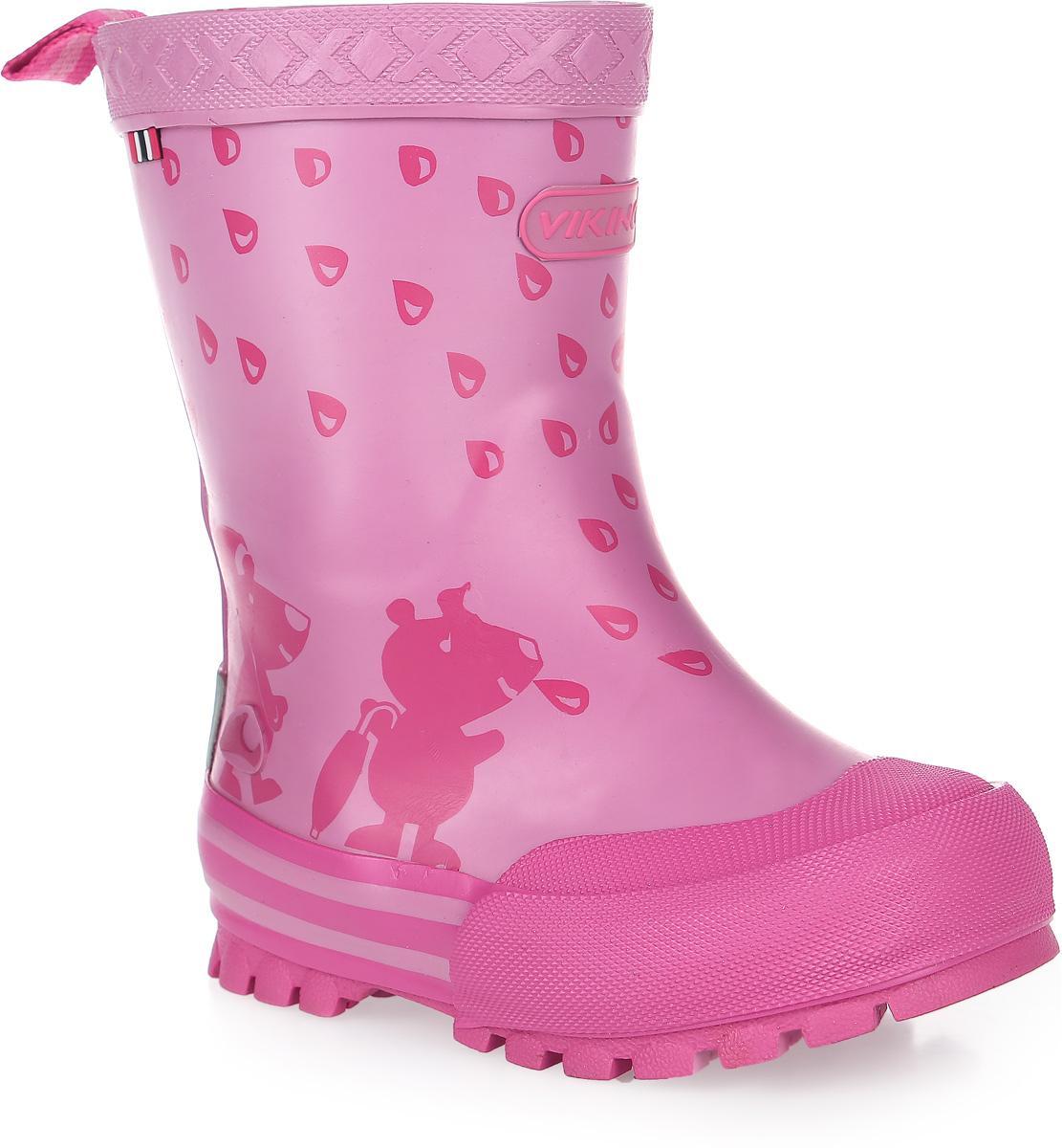 Сапоги резиновые для девочки Viking Plask, цвет: розовый. 1-17130-00009. Размер 271-17130-00009Модные резиновые сапоги от Viking - идеальная обувь в дождливую погоду для вашей девочки. Модель с противоударным носком оформлена забавным принтом и эмблемой с названием бренда. Внутренняя поверхность и стелька, выполненные из синтетического материала со скрученными волокнами, способствующими поддержанию тепла, комфортны при ходьбе. Ярлычок на заднике облегчает обувание модели. Подошва с протектором гарантирует отличное сцепление с любой поверхностью. Резиновые сапоги - необходимая вещь в гардеробе каждого ребенка.