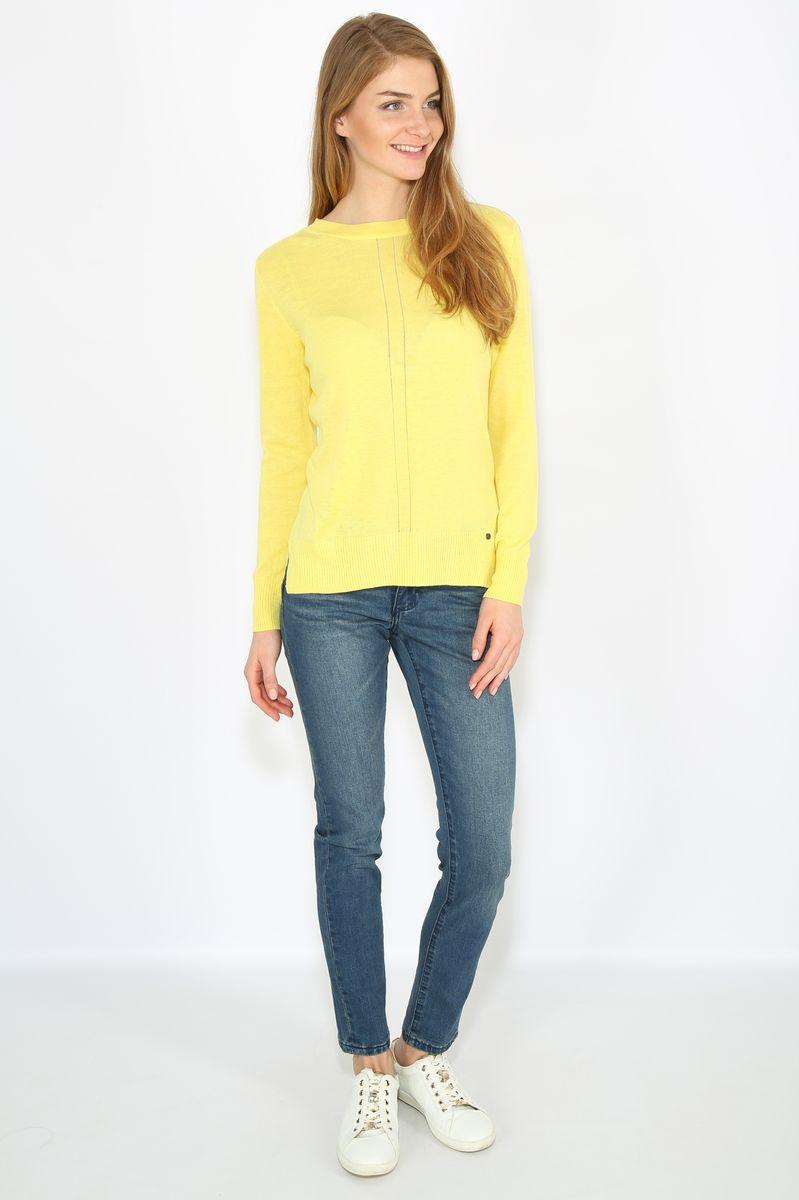 Джемпер женский Finn Flare, цвет: желтый. B17-11114. Размер M (46)B17-11114Джемпер женский Finn Flare выполнен из комбинированного материала. Модель с круглым вырезом горловины и длинными рукавами.