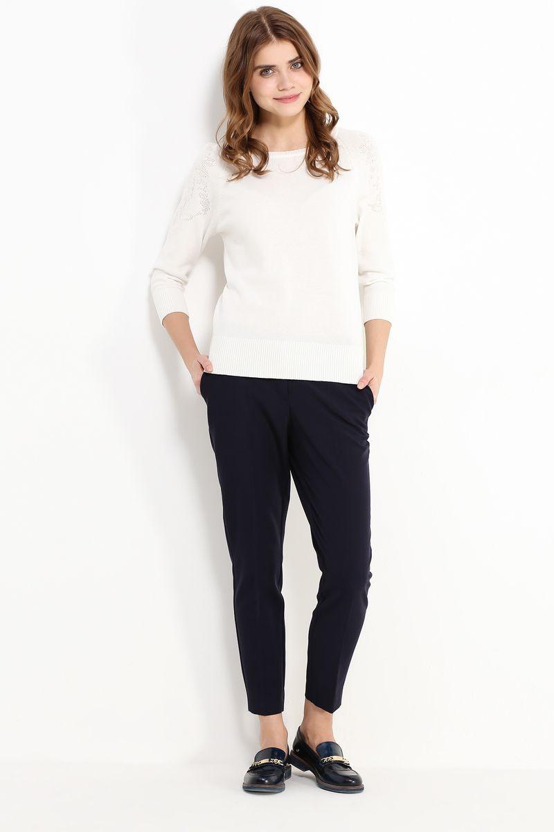 Джемпер женский Finn Flare, цвет: белый. B17-11123. Размер L (48)B17-11123Джемпер женский Finn Flare выполнен из натурального хлопка. Модель с круглым вырезом горловины и длинными рукавами.