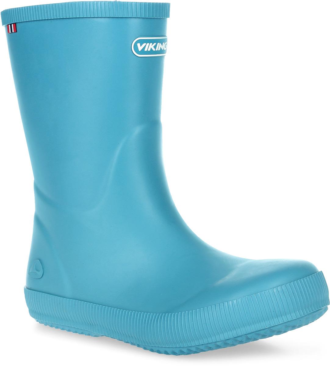 Сапоги резиновые для мальчика Viking Classic Indie, цвет: голубой. 1-13200-00022. Размер 331-13200-00022Модные резиновые сапоги от Viking - идеальная обувь в дождливую погоду для вашего мальчика. Модель лаконичного дизайна оформлена эмблемой с названием бренда. Внутренняя поверхность и стелька, выполненные из синтетического материала со скрученными волокнами, способствующими поддержанию тепла, комфортны при ходьбе. Подошва с протектором гарантирует отличное сцепление с любой поверхностью. Резиновые сапоги - необходимая вещь в гардеробе каждого мальчика.