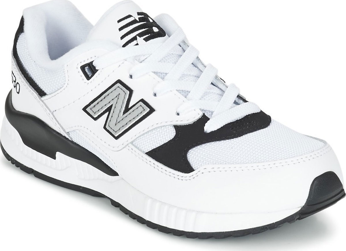 Кроссовки для мальчиков New Balance, цвет: белый, серый. KL530LBP/M. Размер 10,5 (28)KL530LBP/MМодные кроссовки от New Balance очаруют вашего ребенка с первого взгляда! Модель изготовлена из текстиля и искусственной кожи. Модель дополнена, на язычке фирменной нашивкой. По бокам обувь оформлена декоративными нашивками в виде логотипа бренда. Классическая шнуровка надежно зафиксирует обувь на ноге. Подкладка из текстиля, обеспечит комфорт и уют детским ножкам. Подошва с рифлением гарантирует отличное сцепление с любыми поверхностями. Стильные кроссовки займут достойное место в гардеробе вашего ребенка.