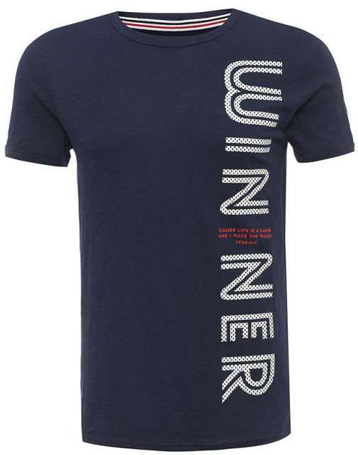 Футболка мужская Tom Tailor Denim, цвет: темно-синий. 1037252.03.12_6740. Размер XXL (54)1037252.03.12_6740Мужская футболка Tom Tailor Denim выполнена из натурального хлопка. Модель с круглым вырезом горловины и короткими рукавами оформлена крупной принтовой надписью.Такая футболка станет стильным дополнением к вашему гардеробу, она подарит вам комфорт в течение всего дня!