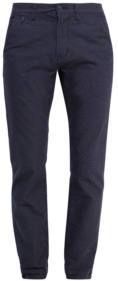 Брюки мужские Tom Tailor Denim, цвет: темно-синий. 6405029.00.12_6740. Размер S (46)6405029.00.12_6740Модные мужские брюки Tom Tailor Denim выполнены из высококачественного натурального хлопка. Брюки застегиваются на пуговицу в поясе и ширинку на молнии. Имеются шлевки для ремня. Спереди расположены два втачных кармана. Эти модные и в тоже время комфортные брюки послужат отличным дополнением к вашему гардеробу. В них вы всегда будете чувствовать себя уютно и комфортно.