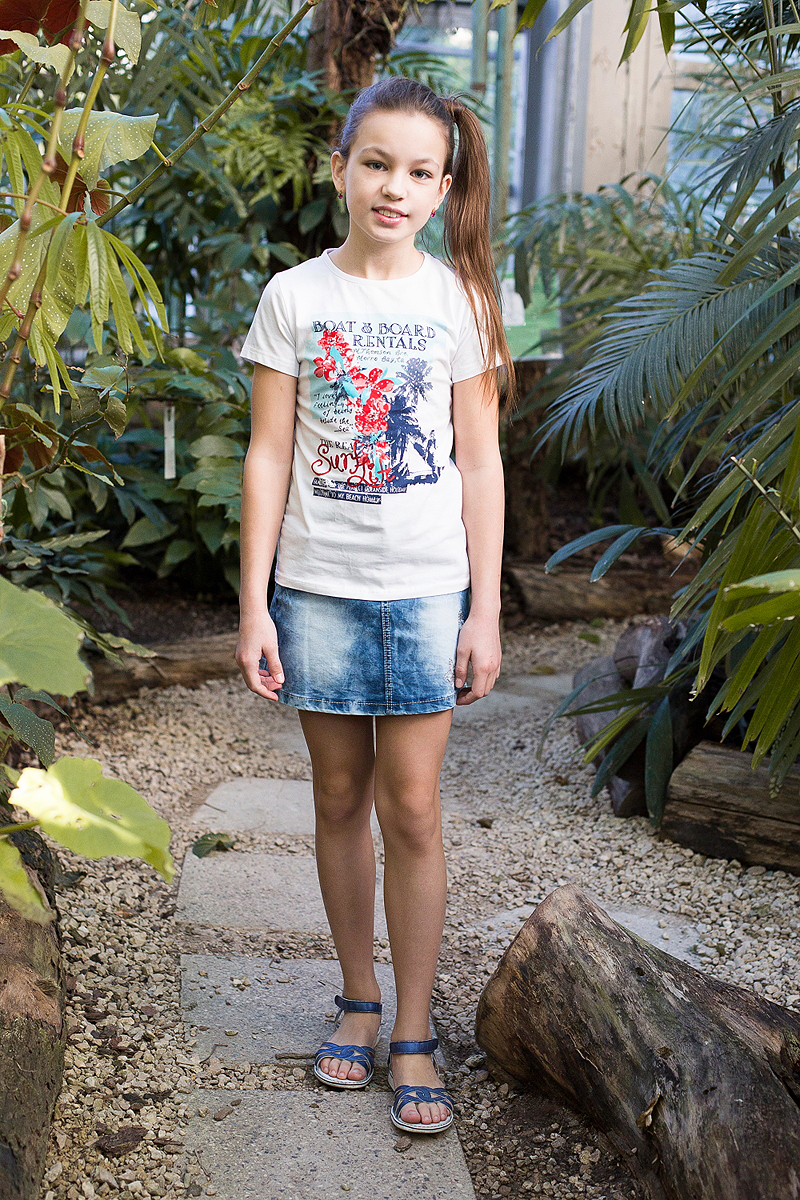 Юбка для девочки Luminoso, цвет: синий. 718061. Размер 146718061Джинсовая юбка оригинальной варки для девочки. Декорирована оригинальной вышивкой. Пояс с регулировкой внутренней резинкой.
