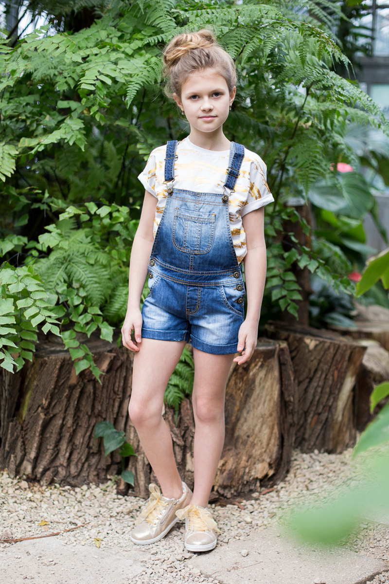 Полукомбинезон джинсовый для девочки Luminoso, цвет: синий. 718070. Размер 146718070Джинсовый полукомбинезон на регулируемых бретелях в оригинальной варке.