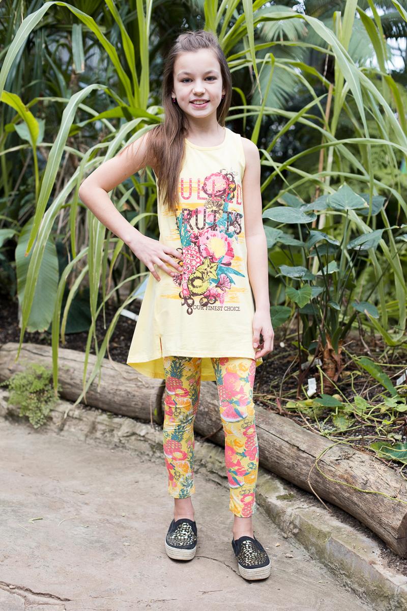 Комплект одежды для девочки: майка и лосины Luminoso, цвет: желтый, красный. 718085. Размер 164718085Яркий трикотажный комплект для девочки, состоящий из майки и лосин. Майка с ярким принтом и ассиметричным низом. Лосины из принтованной, трикотажной ткани.