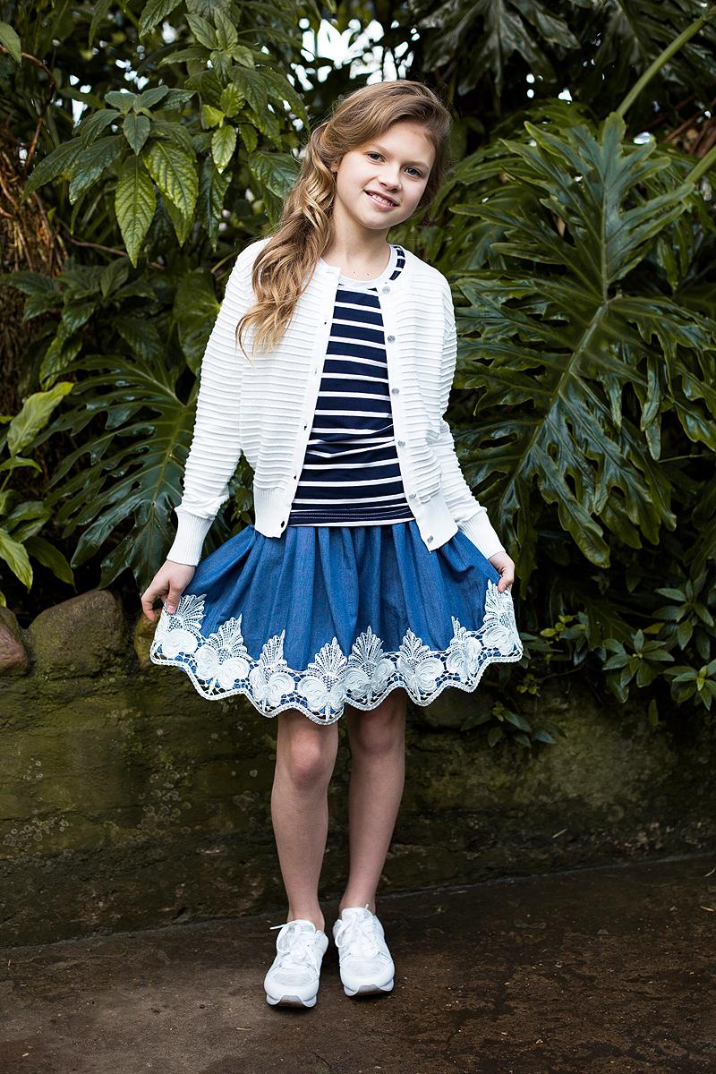Юбка для девочки Luminoso, цвет: синий. 718121. Размер 158718121Текстильная юбка для девочки под джинсу. Низ изделия декорирован изящной вышивкой и экокожей. Юбка имеет эластичный мягкий пояс.