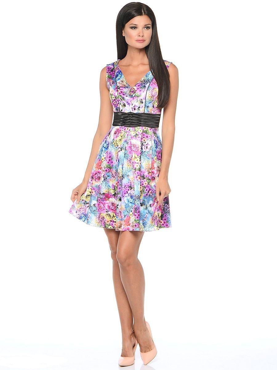 Платье Milton, цвет: цветы, розовый. WD-2514F. Размер 46WD-2514FПлатье прилегающего силуэта, без рукавов, с V-образной горловиной, отрезное по линии талии, с драпированным поясом из контрастной однотонной ткани. Юбка расклешенная, со складками от талии.