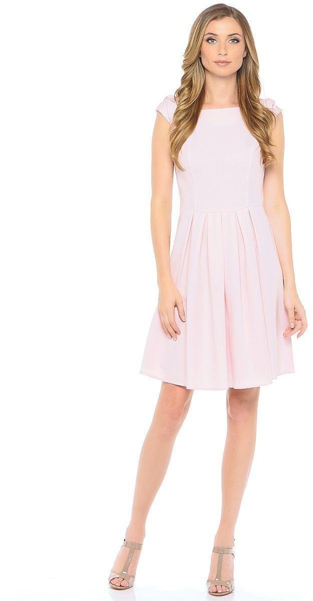 Платье Milton, цвет: светло-розовый. WD-2606F. Размер 42WD-2606FЛетнее платье прилегающего силуэта, отрезное по линии талии, без рукавов. На спущенном плече обработаны декоративные банты. Юбка расклешенная, со складками от талии.
