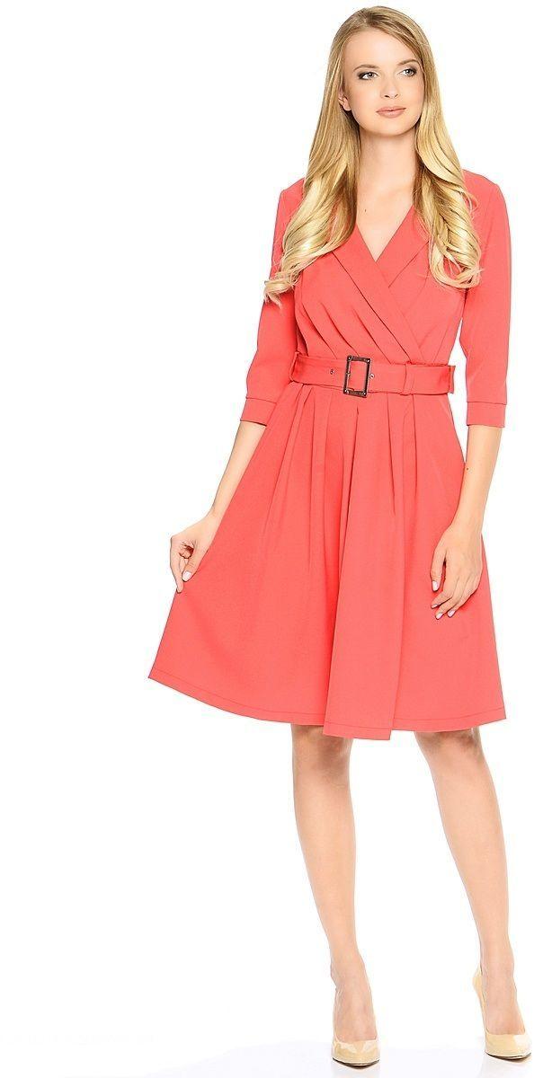 Платье Milton, цвет: красный. WD-2609F. Размер 50WD-2609FПлатье полуприлегающего силуэта, с втачными рукавами длиной 3/4, с манжетами, отрезное по талии, со съемным поясом с пряжкой. Воротник-шалька. Юбка расклешенная, со складками от талии.