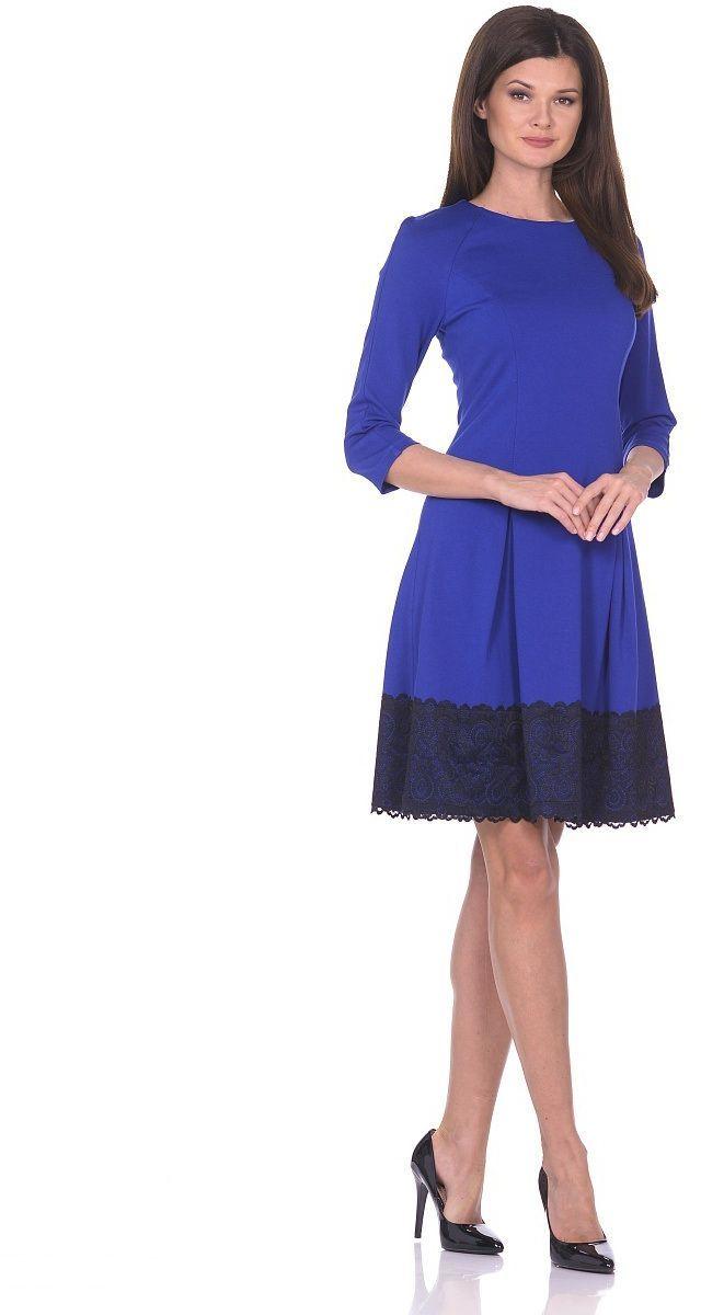 Платье Milton, цвет: синий. WD-2613F. Размер 50WD-2613FПлатье прилегающего силуэта, расклешенное к низу, с рукавом покроя реглан. По низу платья настрочена широкая кружевная тесьма.