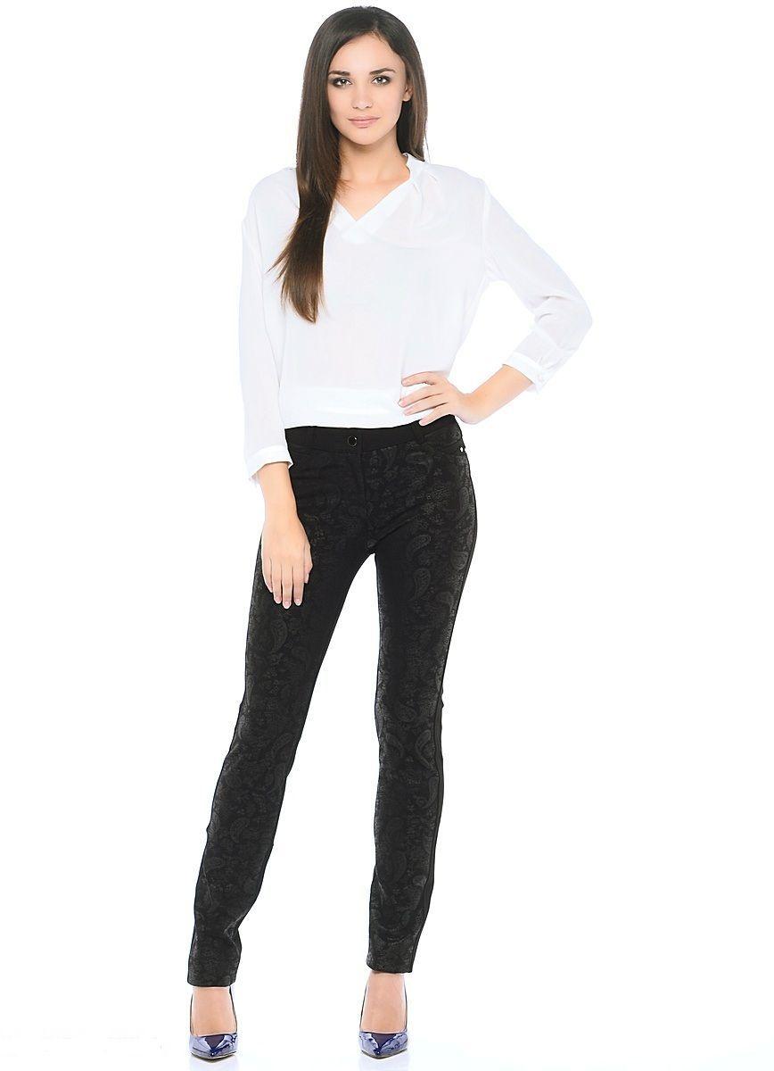 Брюки женские Milton, цвет: черный. WT-4601C. Размер 50/52WT-4601CБрюки обычной длины, зауженные к низу. Пояс со шлевками. Застежка на молнию и пуговицу. Передние половинки брюк - из принтованной ткани.