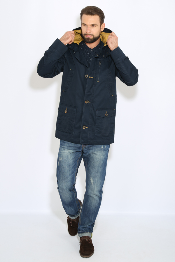 Куртка мужская Finn Flare, цвет: темно-синий. B17-22008_101. Размер L (50)B17-22008_101Куртка мужская Finn Flare выполнена из натурального хлопка. Модель с капюшоном и длинными рукавами застегивается на пуговицы.